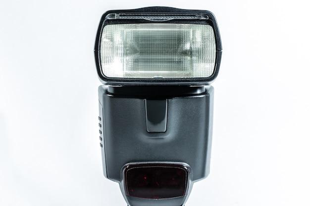Flash d'appareil photo isolé sur blanc
