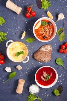 Flat ley. contexte pour le menu d'un café ou des soupes de restaurant.