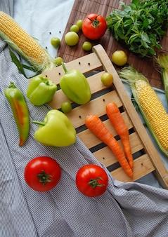 Flatlay de légumes frais