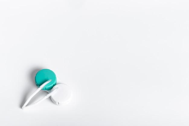 Flay lay de cas de lentilles de contact avec copie espace