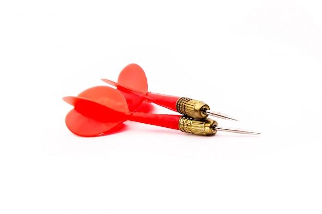 Flèche de fléchettes rouge sur blanc