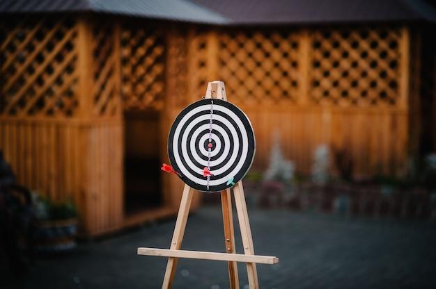Fléchette cible avec flèche