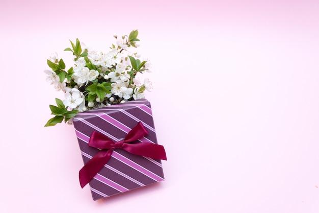 Fleur de cerisier, printemps, boîte cadeau