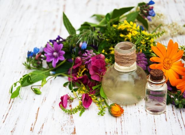 Fleur sauvage et huile