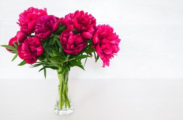 Fleurs. cadeau pour la saint-valentin. cadeau romantique