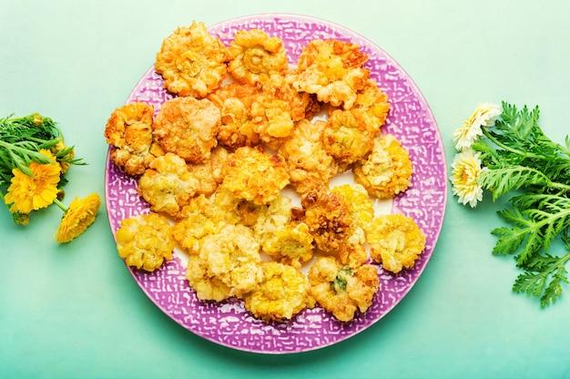 Fleurs de chrysanthème en pâte