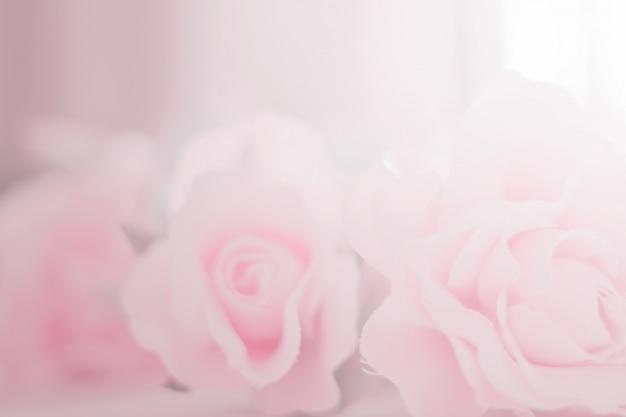 Fleurs colorées rose pour le fond