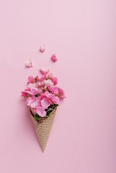 Fleurs en cornet de crème glacée