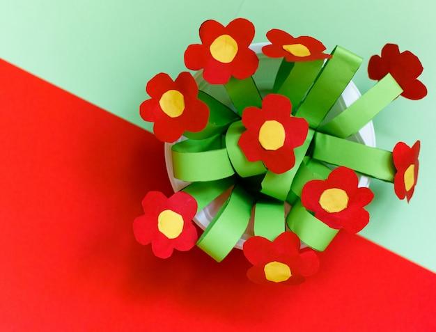 Fleurs de créativité en papier.