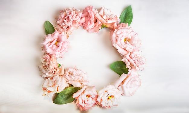 Fleurs d'eustoma, fond pour la fête des mères ou le jour du mariage