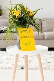 Fleurs avec message d'accueil pour la journée des grands-parents