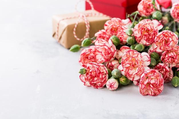 Fleurs d'oeillets roses