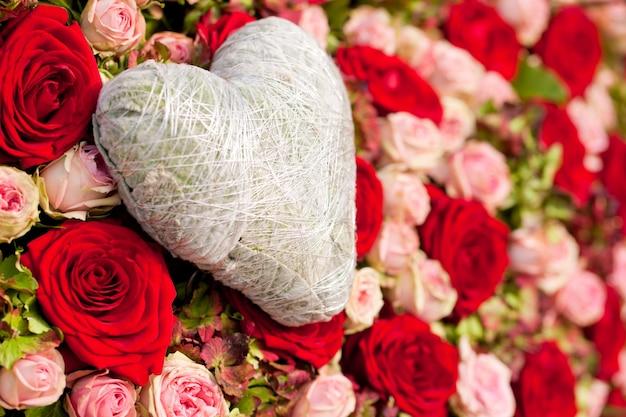 Fleurs et ornements de coeur