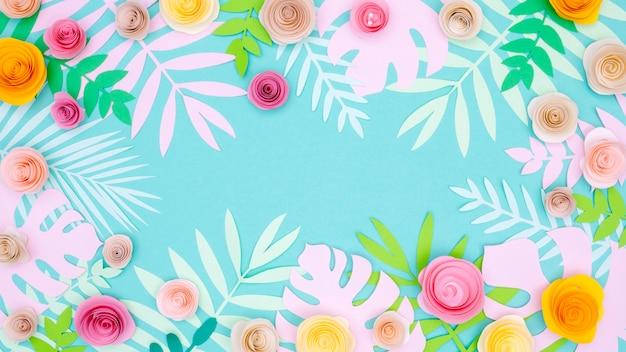 Fleurs en papier colorées
