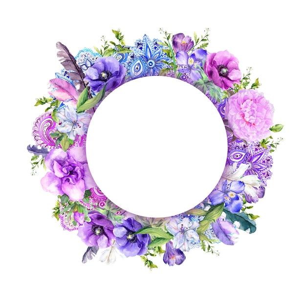 Fleurs, plumes et ornement.