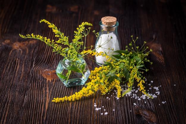 Fleurs sauvages en bouquet