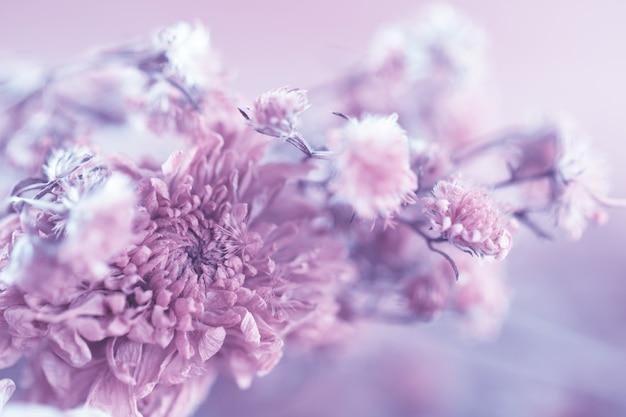 Fleurs vintage faites avec dégradé pour le fond, abstrait, texture, style doux et flou