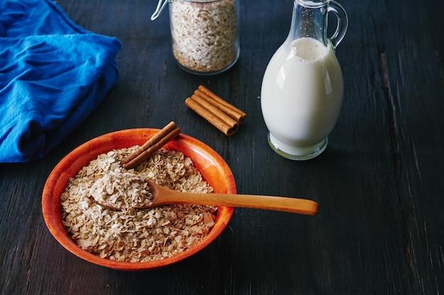 Flocons d'avoine à la cannelle et au lait