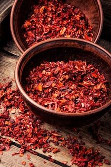 Flocons de piment rouge séchés