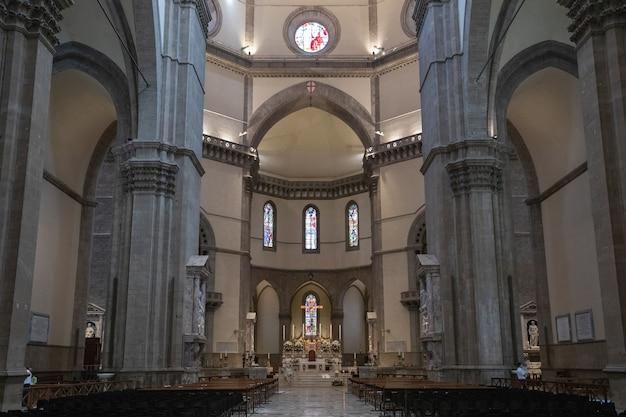 Florence, italie - 24 juin 2018 : vue panoramique de l'intérieur de cattedrale di santa maria del fiore (cathédrale de sainte marie de la fleur) est la cathédrale de florence