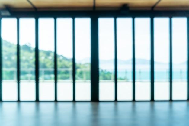 Flou abstrait et défocalisation salle vide avec vue sur la mer