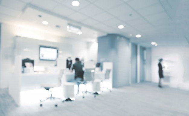 Flou abstrait à l'intérieur de la clinique blanche pour le fond