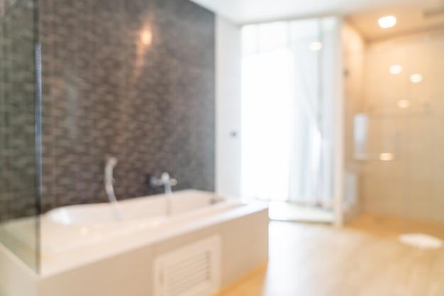 Flou abstrait et intérieur de la salle de bain défocalisé