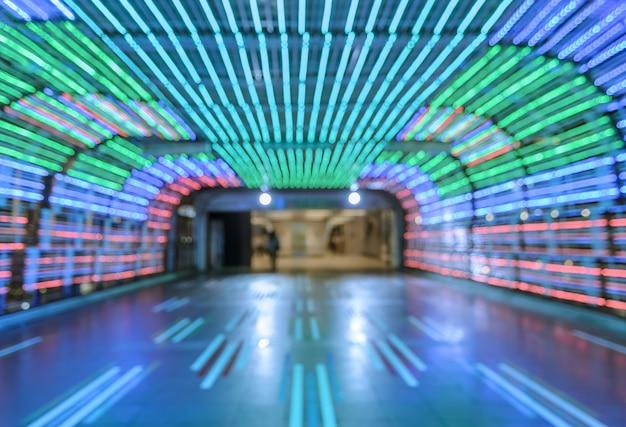 Flou fond abstrait bokeh tunnel coloré passerelle