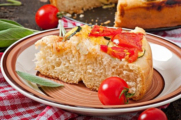 Focaccia aux tomates et à l'ail