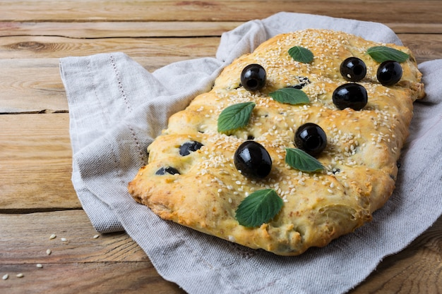 Focaccia italienne aux olives