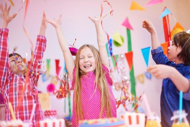Folie à la fête d'anniversaire