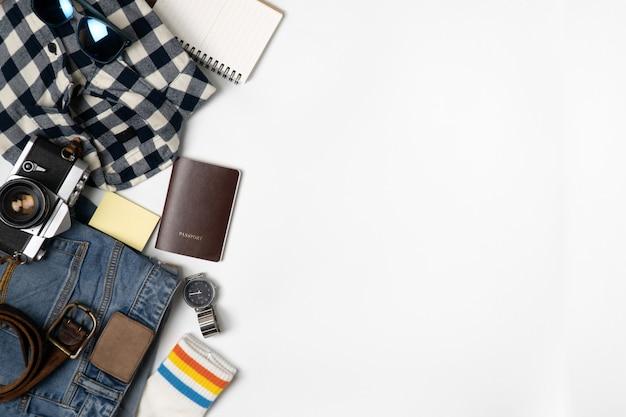 Fond d'accessoires de voyage. fond de voyage objet plat à poser.