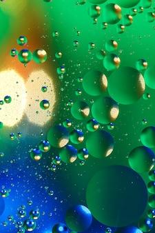 Fond artificiel coloré avec des bulles.