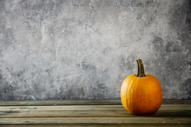 Fond d'automne avec citrouille