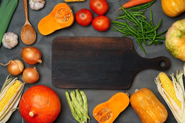 Fond d'automne avec des légumes frais