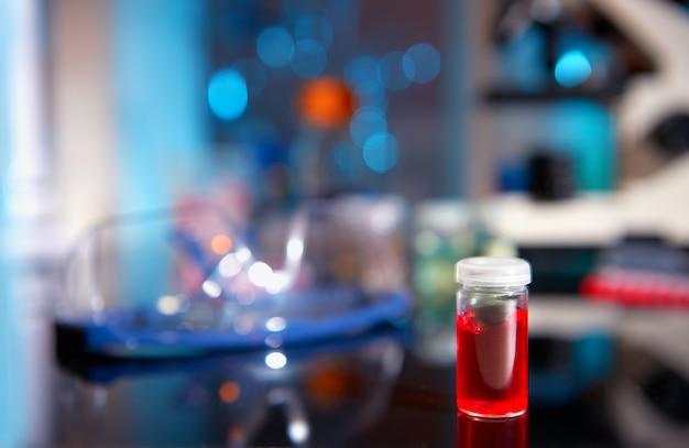 Fond biologique en noir, bleu et rouge