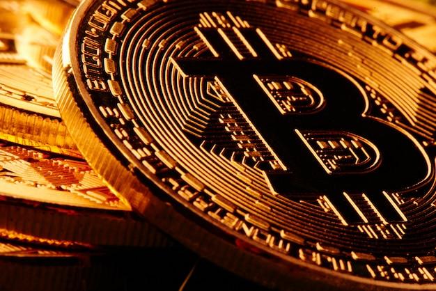 Fond de bitcoins doré