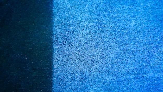Fond bleu marine décoratif abstrait grunge, bannière avec un espace pour le texte.