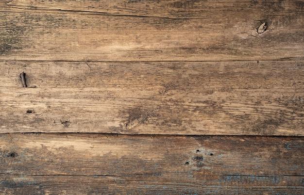 Fond en bois naturel.