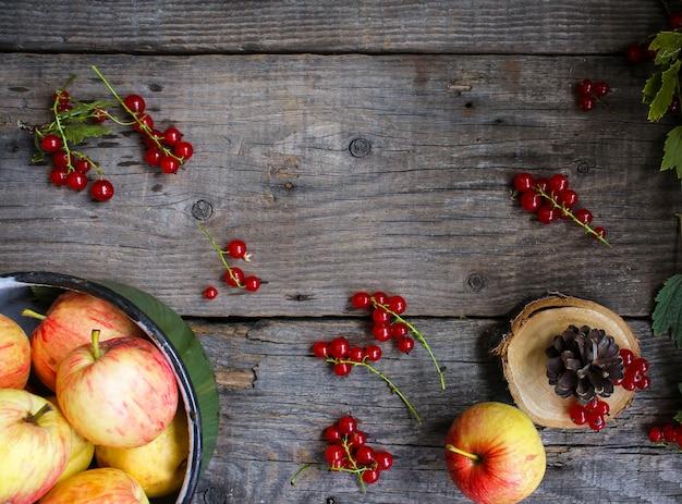 Fond en bois de pommes cassis