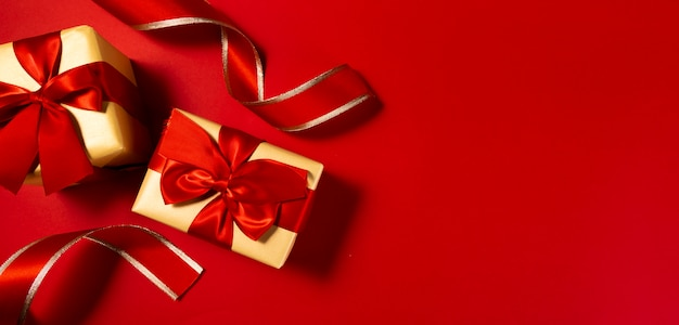 Fond de boîte cadeau nouvel an chinois rouge