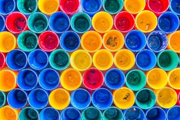 Fond de bouteilles colorées