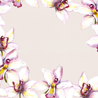 Fond de cadre beige floral avec fleur d'orchidée blanche