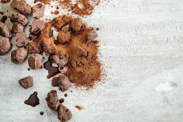 Fond chocolat et chocolat en poudre