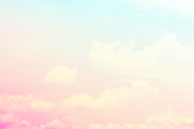 Fond de ciel abstrait en couleur douce.