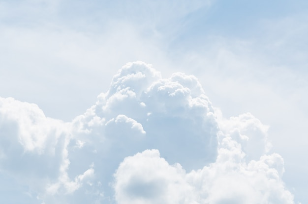 Fond de ciel et nuages.