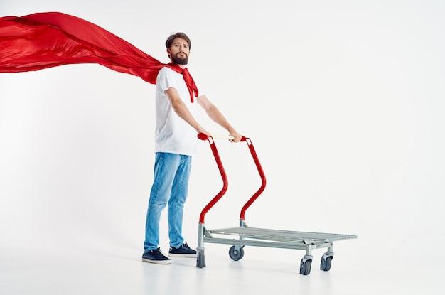 Fond clair d'amusement de mode de vie de supermarché d'homme