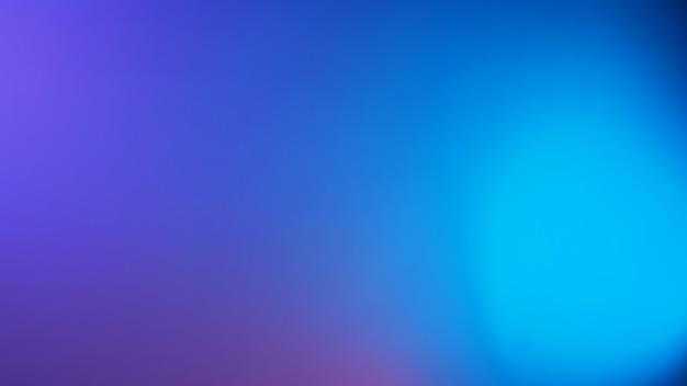 Fond clair néon violet et bleu led. couleur moderne floue ou arrière-plan dégradé. aucun peuple et espace vide.
