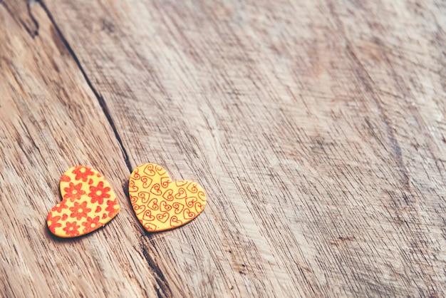 Fond avec des coeurs rouges, saint valentin