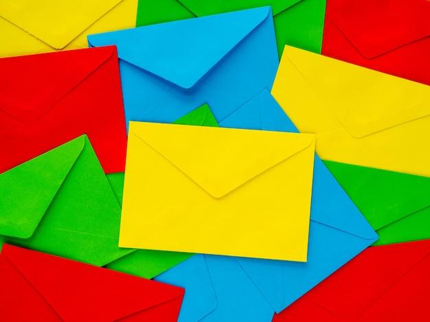 Fond coloré lettre de motivation lettres multicolores en arrière-plan